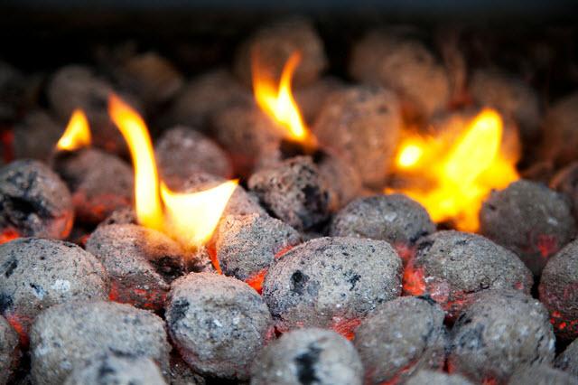 Brikety   Uhlí nebo brikety